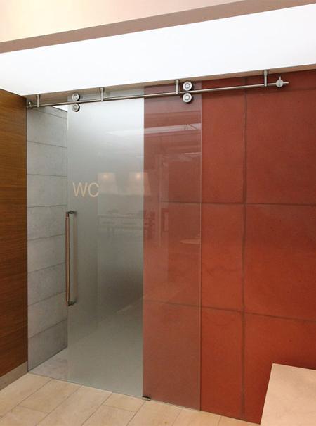 Puertas correderas una opci n decorativa y funcional con - Puerta corredera orchidea ...