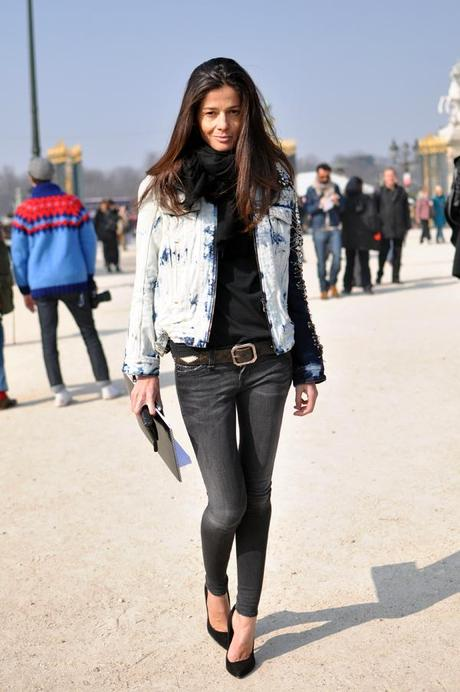 STREET LOOKS AT PARIS FASHION WEEK AW 2012