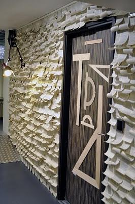 Fr o o caliente empapelar la pared con hojas de papel - Papel empapelar paredes ...