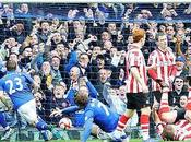 "Sunderland salva Goodison fuerza ""replay"""