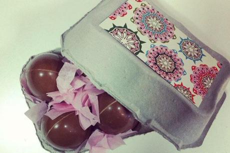 decoración de cajas de huevos de pascua de colores